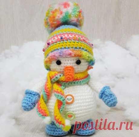 1000 schemes of an amiguruma in Russian: Knitted snowman of an amiguruma