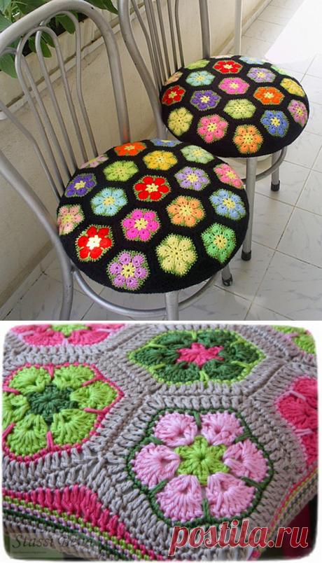 Яркие вязаные чехлы на стул или табуретку из мотивов — Рукоделие