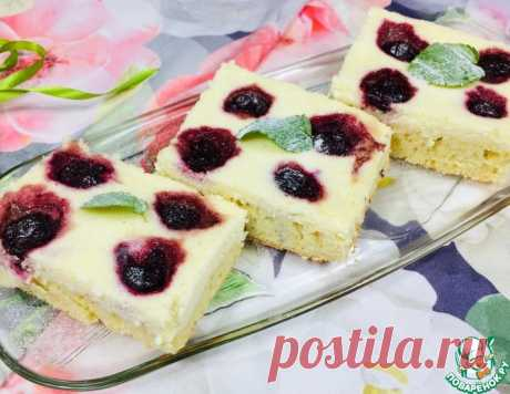 """Пирожные """"Блаженство"""" с творогом и вишней – кулинарный рецепт"""