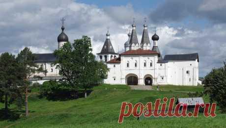 Ферапонтов монастырь - уникальный по красоте и величию ансамбль