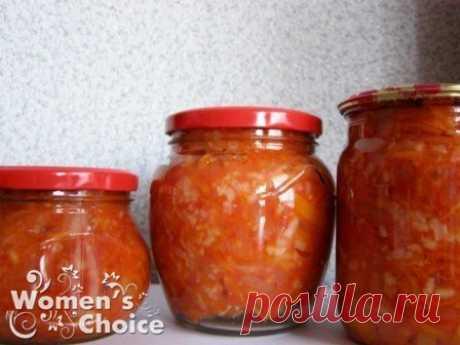 САЛАТ С РИСОМ МАМИН  4 кг помидор - перемолоть на мясорубке  1,5 кг моркови - на крупной тёрке  1 кг лука - полукольцами  1 кг красного перца - соломкой  Показать полностью…