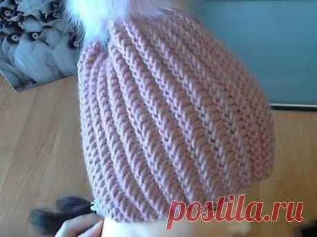Объемные рельефные дорожки-цепочки. Красивый узор для шапки спицами. Связана укороченными рядами.