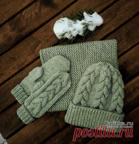 Детский комплект спицами: шапка, снуд и варежки
