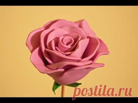 Как сделать розу из зефирного фоамирана / Розы из фоамирана / Come fare una rosa da gomma crepla - YouTube  Розу из зефирного фоамирана сделать легко и просто. В видео я показываю каждый этап создания красивой розы которая украсит любую композицию.