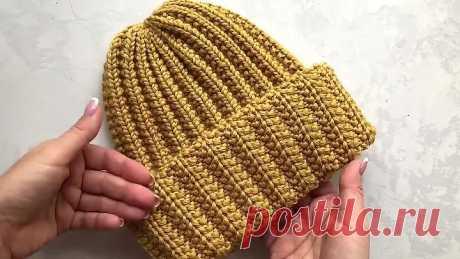Простая шапка спицами с красивой резинкой
