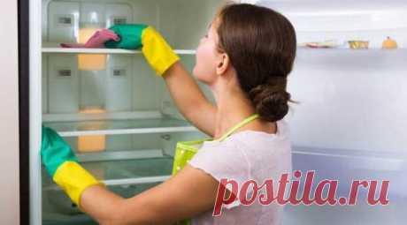 Как и чем мыть холодильник внутри и снаружи? - Сам себе мастер - медиаплатформа МирТесен Как и чем мыть холодильник внутри и снаружи? Ведение домашнего хозяйства требует немалых познаний для мытья, очистки техники на кухне от загрязнений. И особо важно знать, чем помыть холодильник снаружи и внутри. Проводить такую манипуляцию требуется регулярно. Если мойка осуществляется не