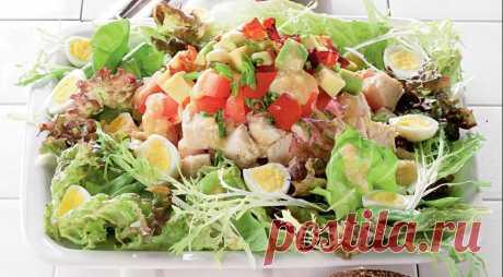 Голливудский салат с курицей и беконом. Пошаговый рецепт с фото на Gastronom.ru