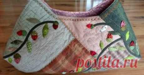 Quilt Bag tutorial.  Quilt bag, dress with applique flower another view Quilt bag! Pattern.  DIY tutorial.