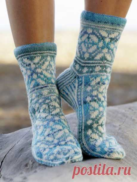 Knitted socks spokes with a pattern: 14 models with schemes and the description