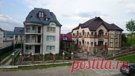 The richest village in Ukraine where there is no 1-storey house