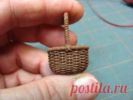 Плетем мини корзиночку для кукол..