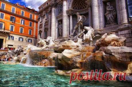 Канадских туристов оштрафовали за утреннее купание в римском фонтане Треви | Туризм