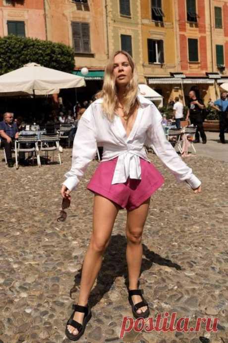 5 самых модных способов носить шорты этим летом Многие современные девушки предпочитают брюки, а не платья. И поэтому, в летнюю погоду, шорты будут необходимы для создания летнего гардероба. Однако, по