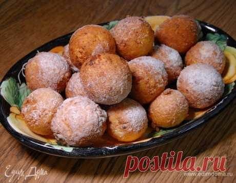 Пончики из зерненого творога . Ингредиенты: мука, творог зерненый, яйца куриные