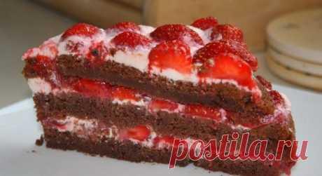 Летний шоколадный торт с клубникой! Что может быть прекрасней в сезон ароматной ягоды!