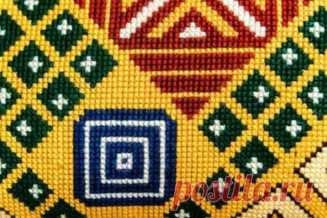 Вышивка болгарским крестом: техника выполнения, схемы и идеи | Создавай сам | Яндекс Дзен