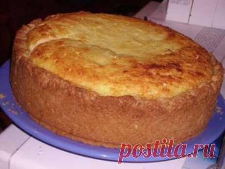 """Пирог """"Бабушкин секрет"""" Любимый пирог из детства, приготовленный моей бабушкой, всегда манил гостей за стол. Попробуйте и Вы, рецепт бабушкиного пирога очень прост в приготовлении, вкус его зависит от Вас."""