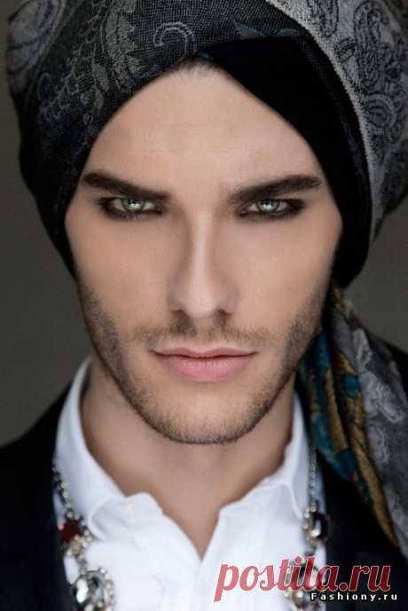 #Plomperg Male Beauty!