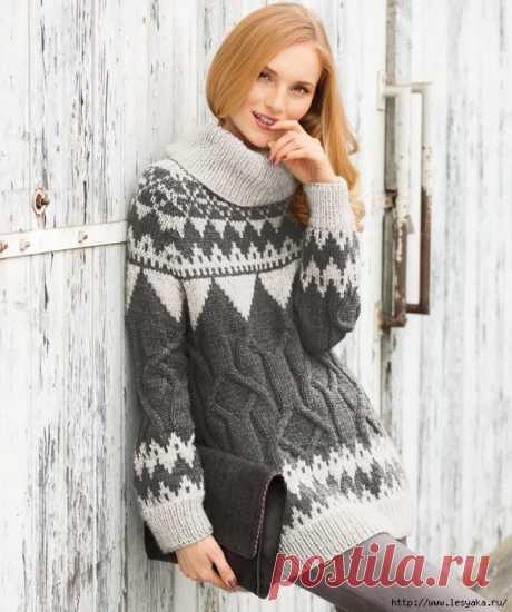 Стильный свитер с жаккардовым и рельефным узорами, вязанный своими руками!