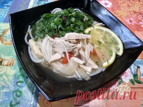 Азиатский суп-лапша с курицей. Очень простой, но вкус яркий и необычный