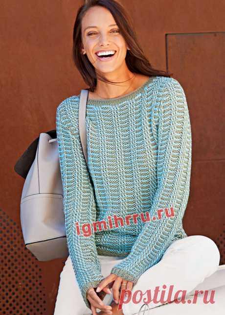 Двухцветный пуловер с узором из полос. Вязание спицами со схемами и описанием
