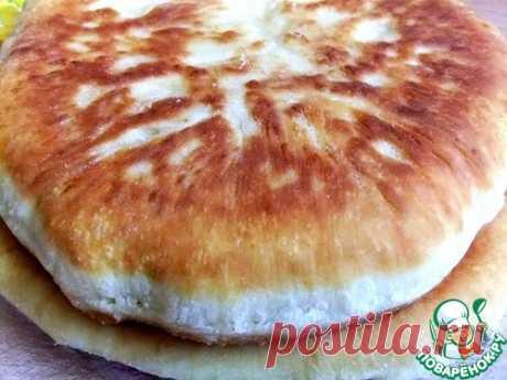 """Быстрый пирог на сковороде """"А-ля хачапури"""" - от дрожжевого теста не отличить"""