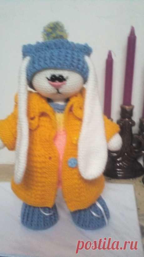 зайка тильда, одежка съемная(палтишко.платьице,ботики и шапочка), высота 30 см.
