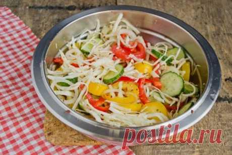 «Витаминный» Салат на зиму с капустой, помидорами, перцем и огурцами. Выручает хозяек!