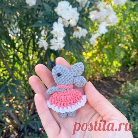Вязаная брошка мышка – Мир вязания и рукоделия