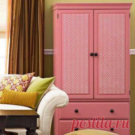 Как обновить шкаф с помощью обоев Если в вашей квартире присутствуют шкаф или стеллаж, который вызывает тоску при едином взгляде на него, то пора задуматься об обновлении. С деревянной мебелью все гораздо проще, ее можно покрасить или...