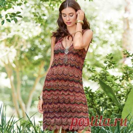 Красивое платье с V-образным вырезом и зигзагообразным узором!