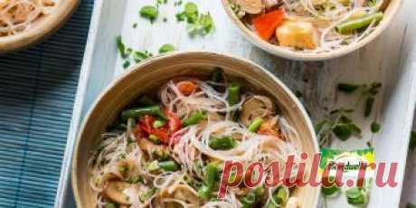 Фунчоза с овощами и куриным филе Рецепт - Фунчоза с овощами и куриным филе - с фото