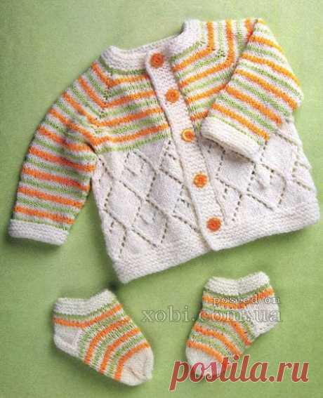 Children's jacket and socks in a strip\u000d\u000aThe description under a photo\u000d\u000a\u000d\u000a#вязание_спицами #bestyarn of #кауни #kauni of #вяжутнетолькобабушки #каунимания