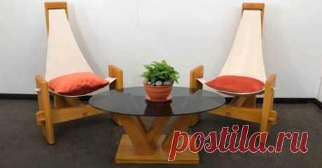 Удобное садовое кресло на трёх ножках своими руками Кресла для сада бывают разными: на ножкам, подвесными, кресла-качалки. Самый популярный вариант — это кресла на ножках. Обычно их четыре. Но в сегодняшней статье мы рассмотрим нестандартную конструкци...