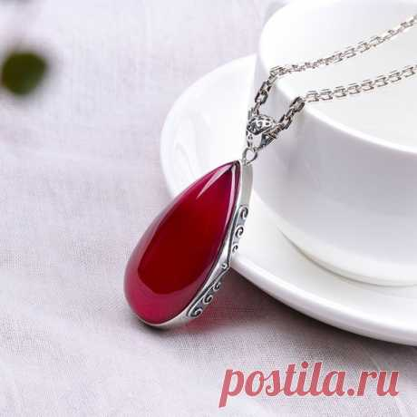 Water Drop Red Corundum Pendant / 925 Silver Ladies Necklace / Charm Necklaces / Christmas Gifts Product Details:  Material: 925 silver, red corundum  color: red  Shape: water droplets  Size: Pendant length: 5.55cm (including hanging head) Width: 2.4cm  Weight: 4.9 grams  Translucent: translucent  Symbol: Good luck to you