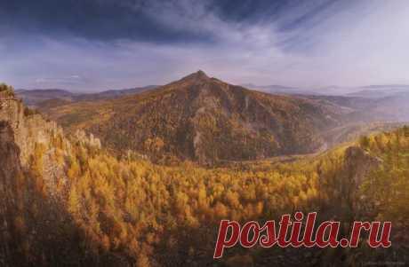 Осень около деревни Айгир, Башкортостан. Автор фото — Константин Цыбин: nat-geo.ru/photo/user/296008/