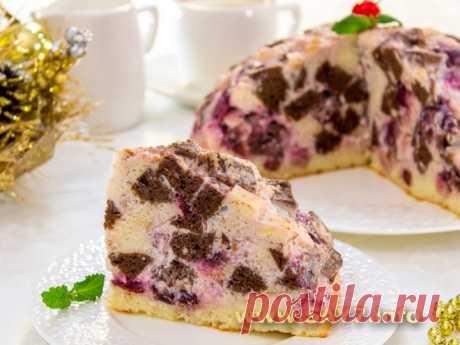"""La torta de \""""Pancho\"""" con la guinda y la almendra."""