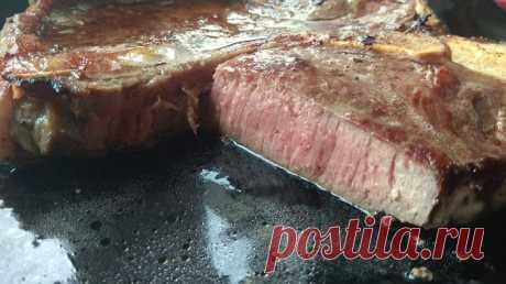 Сегодня говяжий стейк дома в сковороде, с пюрешкой