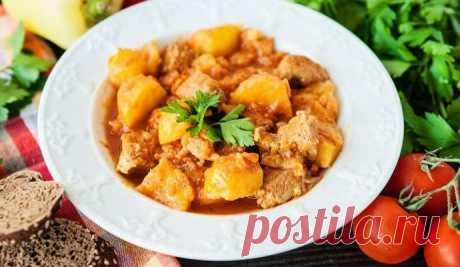 Жаркое со свининой и картошкой на сковороде