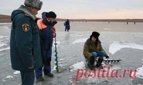 Есть ли право у инспекторов досматривать личные вещи рыболова? Ответ юриста