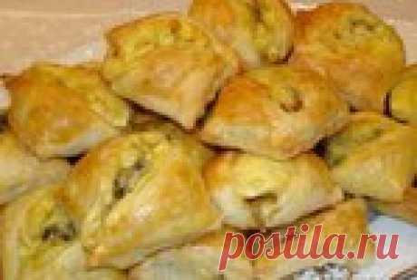 Закусочные пирожки с грибами и сыром.