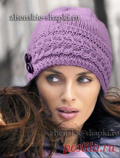 Женская вязаная шапка спицами. Описание и фото модели