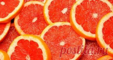 «Грейпфрут при диабете - Сахарный Диабет. Грейпфрут при диабете Чтобы употребление грейпфрута принесло как можно больше пользы, рекомендуется употреблять по 100-150 мл сока, за 15-20 минут до приема пищи 3 раза в день. При сахарном диабете запрещено подслащивание сока сахаром или медом. Важно! Польза и вред этого плода непосредственно зависит от тех или иных сопутствующих заболеваний у диабетика.