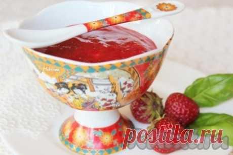 Десерт из клубники с базиликом - рецепт с фото