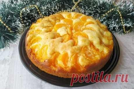 Пирог на сметане с мандаринами. Пирог готовить просто, получается он вкусным и ароматным!  ИНГРЕДИЕНТЫ: мандарины 4 шт. Показать полностью...