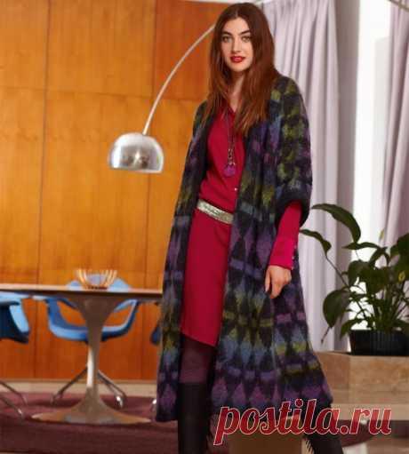 Длинный жилет- пальто с расклёшенным силуэтом
