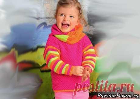 Пуловер для девочки с полосатыми рукавами и шарф снуд | Вязание спицами