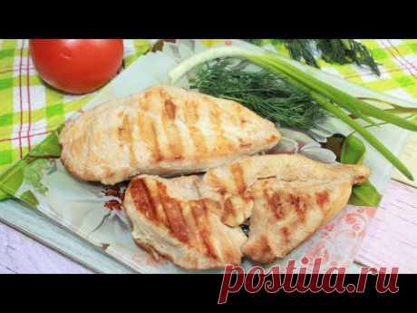 Куриная грудка в маринаде и без капли масла - очень вкусно и просто.