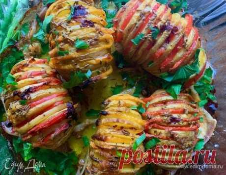Картошка-гармошка. Ингредиенты: картофель, бекон, сливочное масло