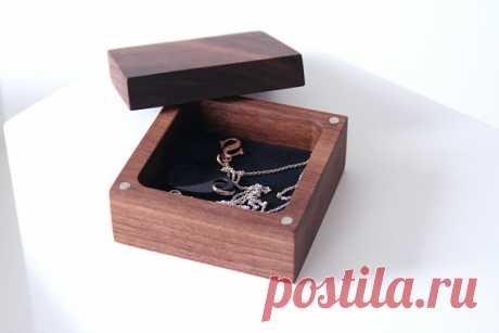 Walnut wood Ring box. Ascetic design ring box. Engagement ring